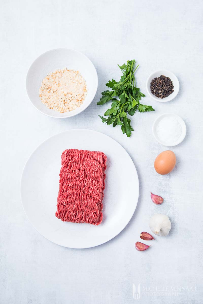 Ingredients to make air fryer meatballs