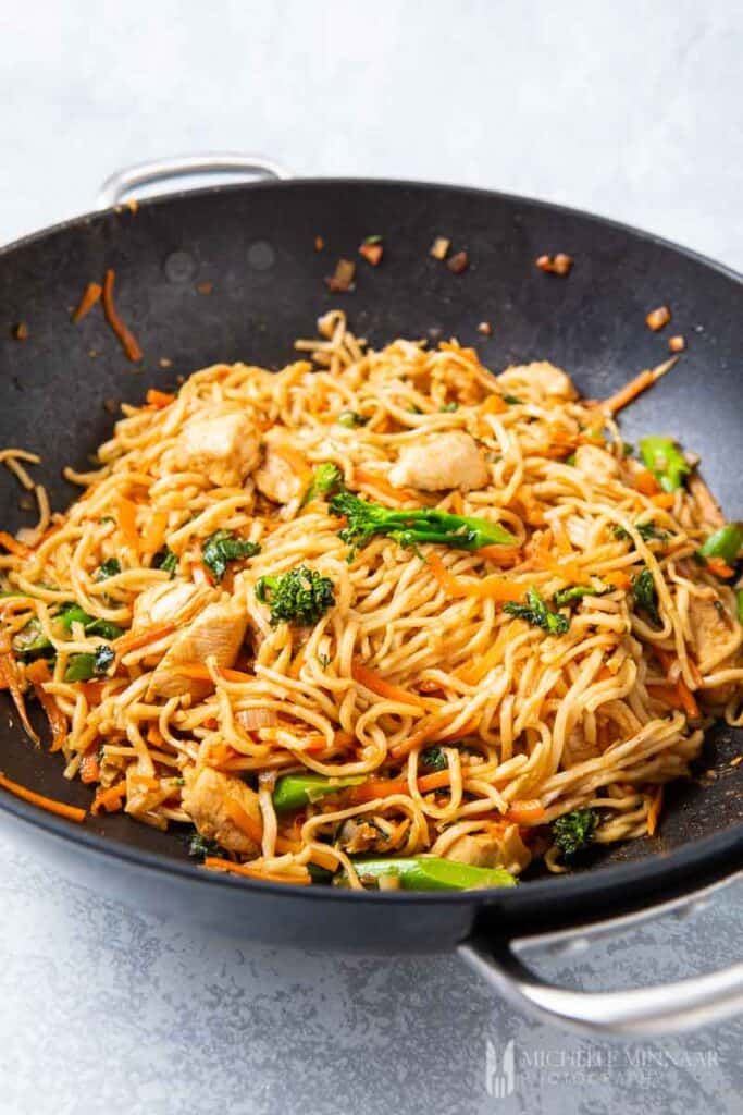 Noodles and vegetables stirfry